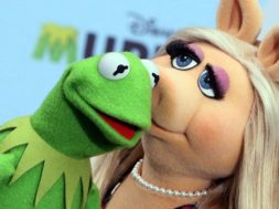 miss_piggy_and_kermit_the_frog